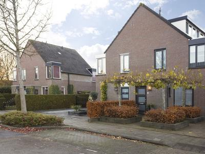 Kamillestraat 12 in Zevenbergen 4761 ZJ