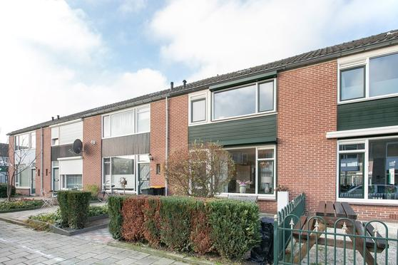 Cypresstraat 42 in Winterswijk 7101 KW