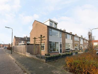Giessenstraat 14 in Hardinxveld-Giessendam 3371 SC