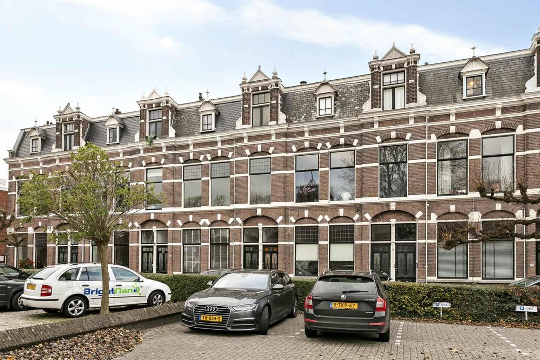 Harlingersingel 17 in Leeuwarden 8913 CJ