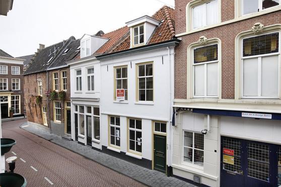 Lange Putstraat 6 -8 in 'S-Hertogenbosch 5211 KN