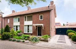 Van Spreeuwelstraat 11 in Hilvarenbeek 5081 ZC