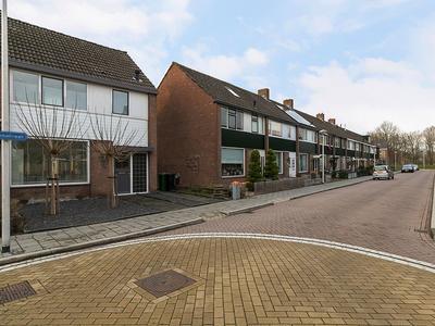 Iepenstraat 7 in Roelofarendsveen 2371 TK