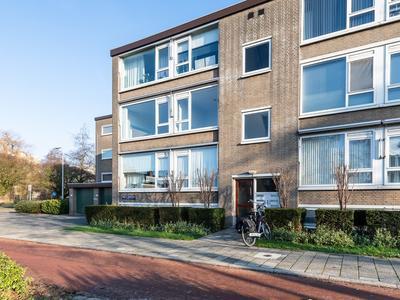 Burgemeester De Zeeuwstraat 426 in Ridderkerk 2982 BE