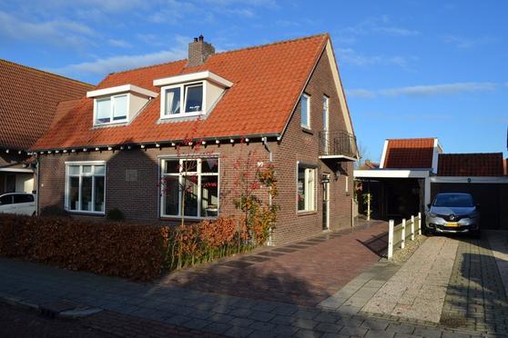 Dorpsweg 97 in IJsselmuiden 8271 BL