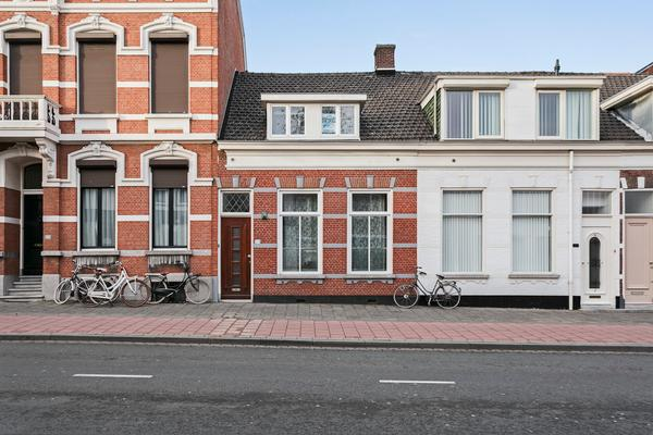 Van Dedemstraat 194 in Bergen Op Zoom 4611 BE