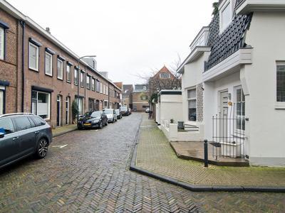 Oosterstraat 7 in Gorinchem 4201 BZ