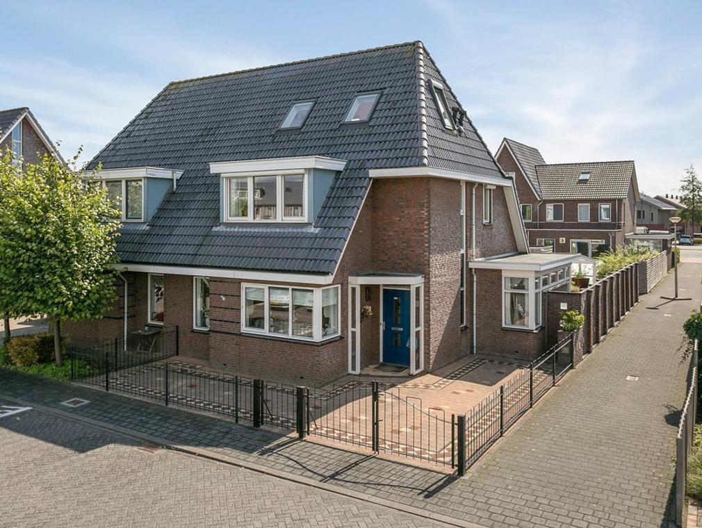 Karavaanstraat 21 in Purmerend 1448 PH