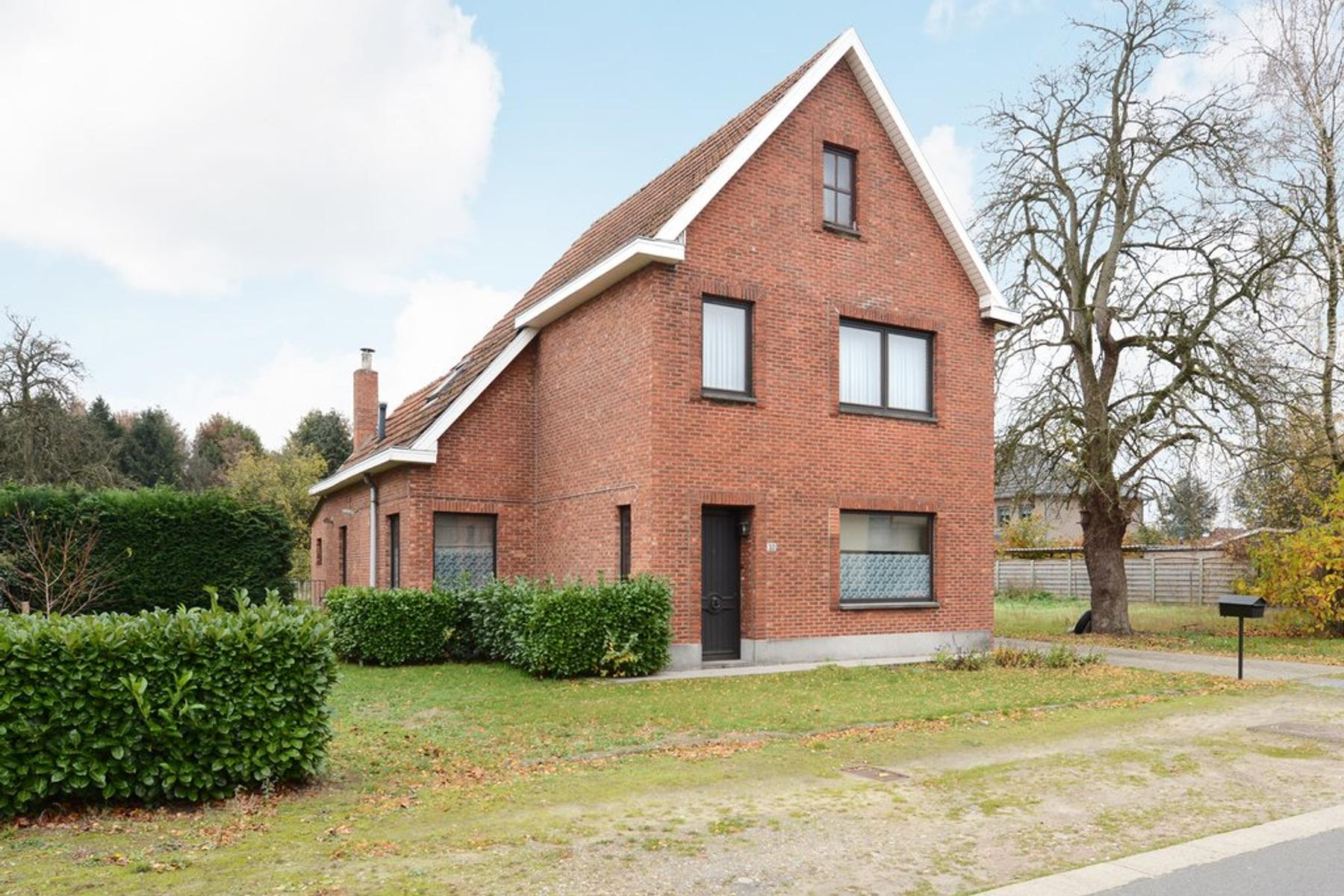 Sint Lambertusstraat 10, Hechtel-Eksel (Be) in Valkenswaard 5556 VB