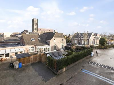 Stationsstraat 8 + 8A in Mill 5451 AN