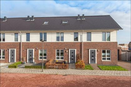 Dirkappel 8 in Nieuwendijk 4255 JT