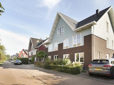 Riezebezem 4 in Hooglanderveen 3829 EN