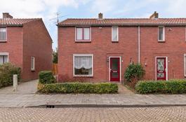 Villa-Novastraat 10 in Wolphaartsdijk 4471 AN