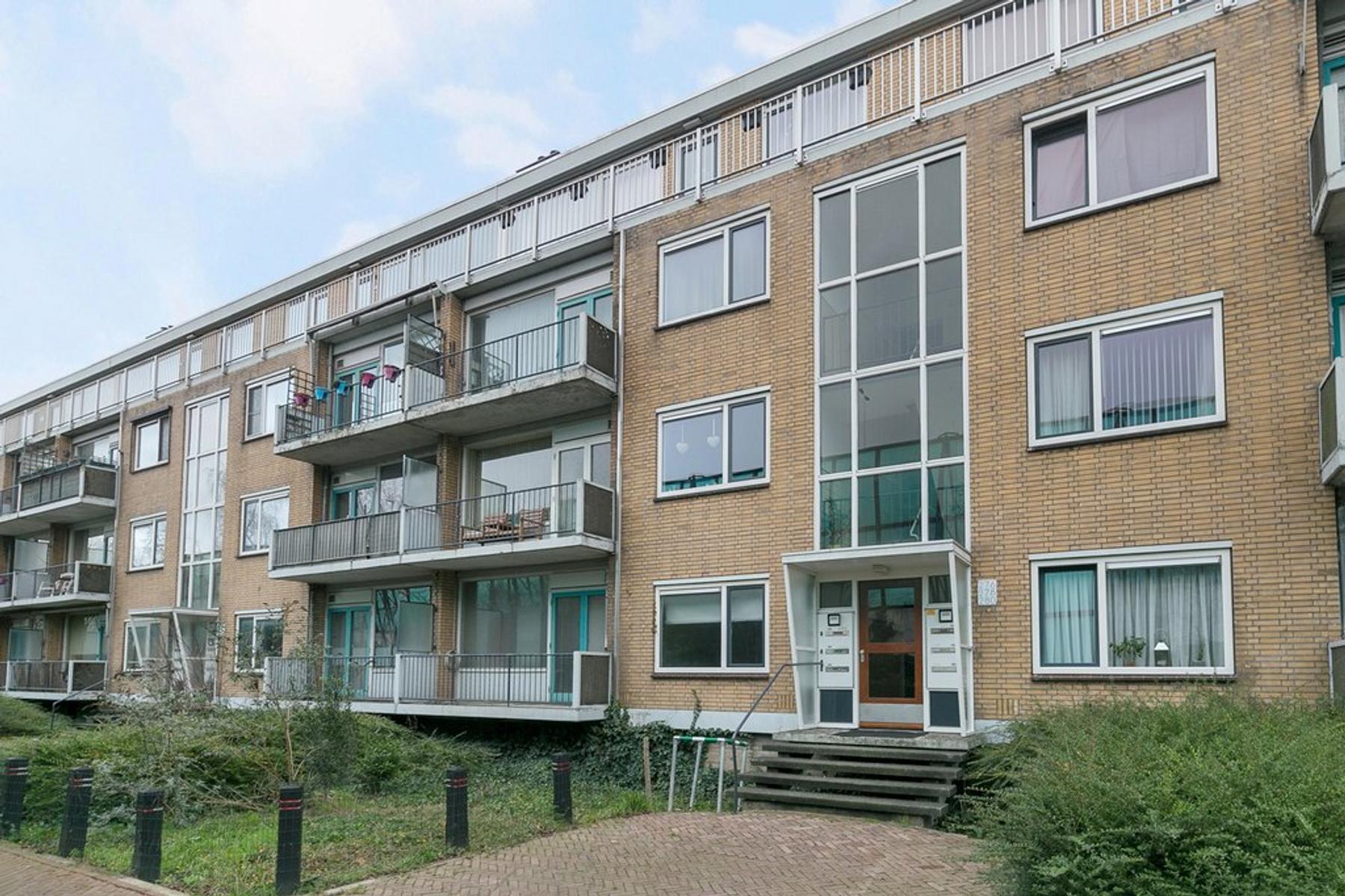 Diepenbrockweg 272 in Dordrecht 3314 CE