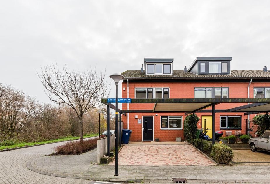 Lastdragerstraat 82 in Almere 1335 VD