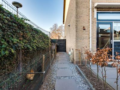 Van Der Lekstraat 50 in Hendrik-Ido-Ambacht 3341 GX