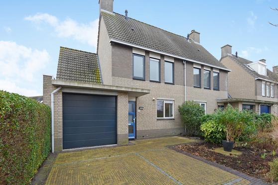 Voordijkshoorn 36 in Den Hoorn 2635 KL