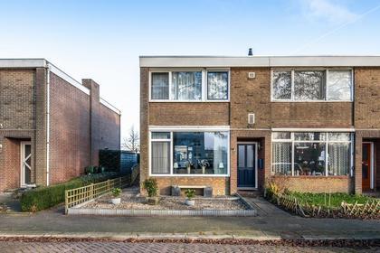 Surinamesingel 7 in Heerenveen 8442 KC