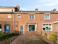 Pastoor Kerckerstraat 12 in Steenbergen 4651 XS