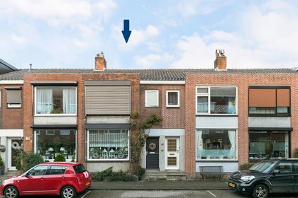 Zestienhovensekade 399 in Rotterdam 3043 KR