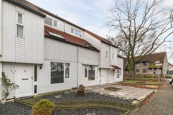 Rijnlaan 196 in Helmond 5704 HK