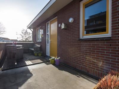 Oranjestraat 6 in Arkel 4241 BT