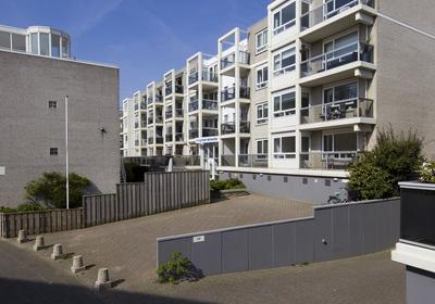 Dr Joh G Mezgerstraat 47 in Zandvoort 2041 HT