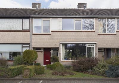 P C Hooftstraat 15 in Nijverdal 7442 XA