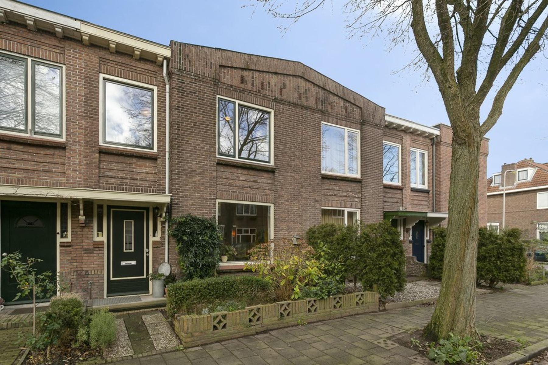 J.P. Sweelinckstraat 24 in Deventer 7412 DW