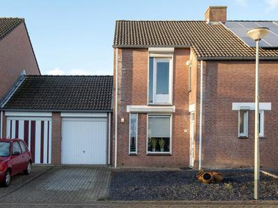 Constantijnhof 10 in Munstergeleen 6151 DP
