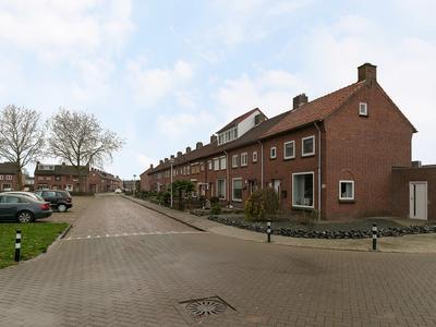 Marijkestraat 43 in St. Willebrord 4711 BN