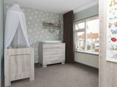 Julianastraat 5 in Ouderkerk Aan Den IJssel 2935 XL