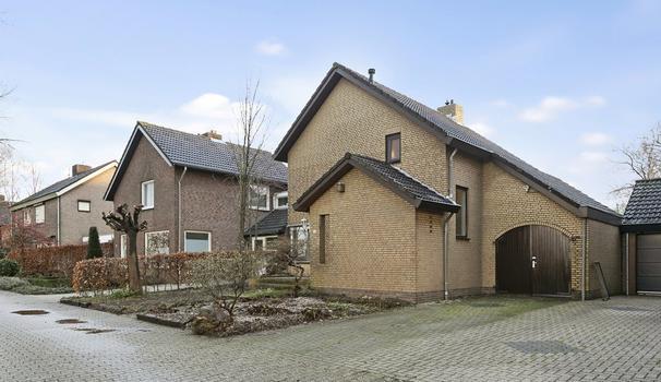 Waddenlaan 4 in Papenhoven 6124 BK