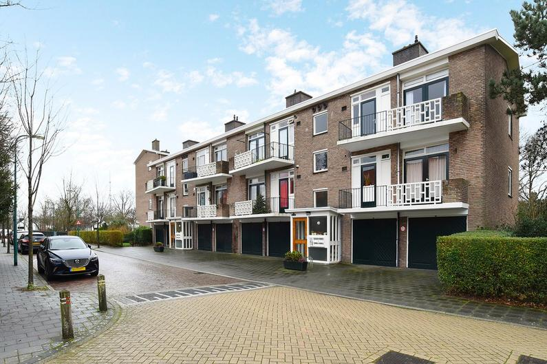 Karel Doormanlaan 36 in Oegstgeest 2341 TB
