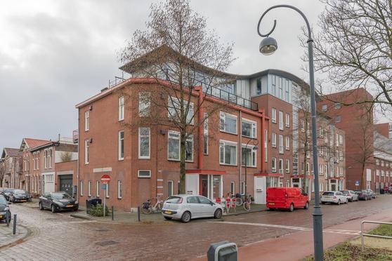 Amsterdamsevaart 124 in Haarlem 2032 EG