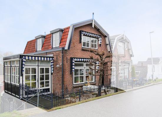 Voorstraat 182 in Lekkerkerk 2941 EX