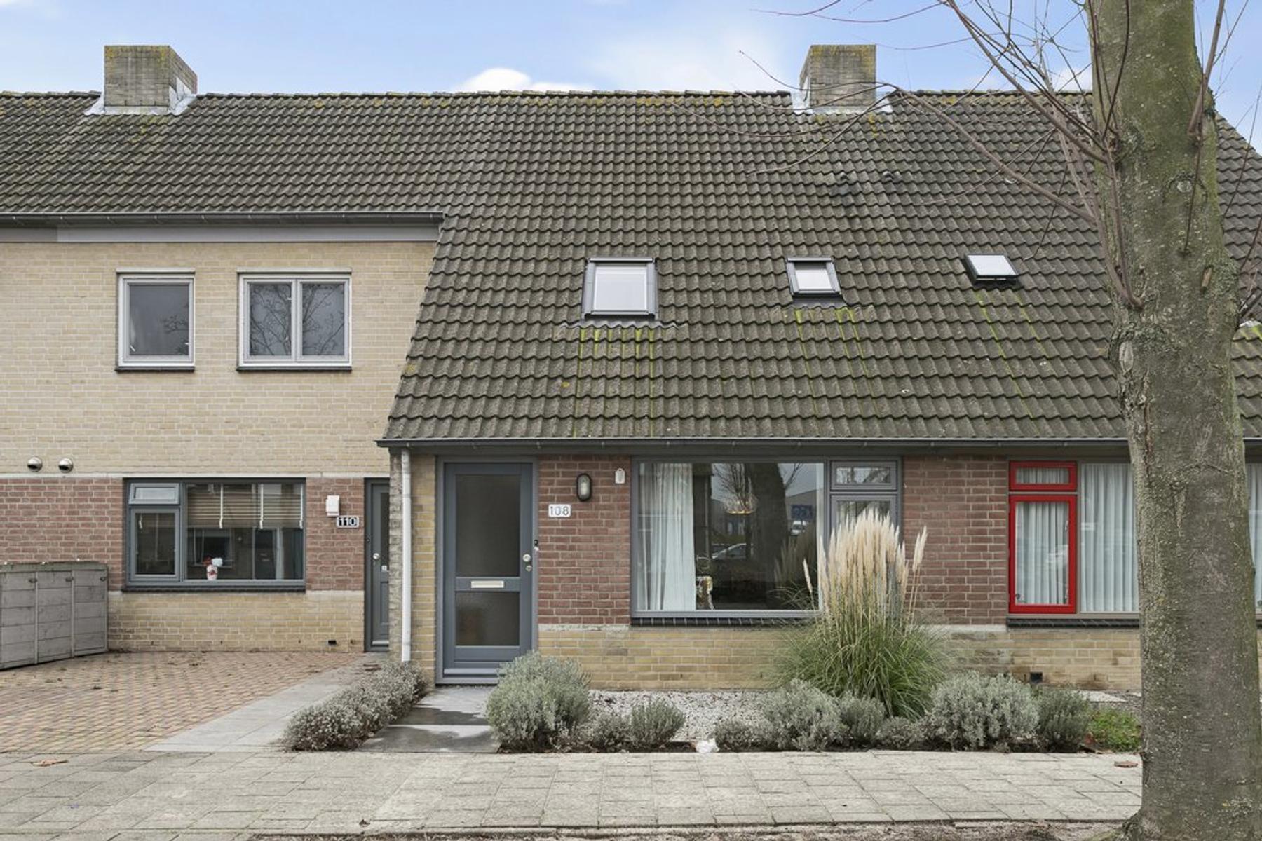Schoutenlaan 108 in Geertruidenberg 4931 RS