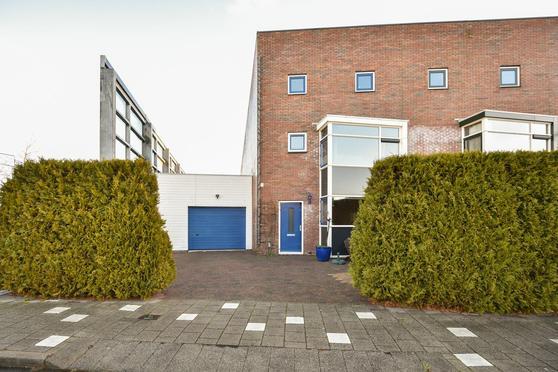 Aletta Jacobstuin 15 in Heerhugowaard 1705 JW