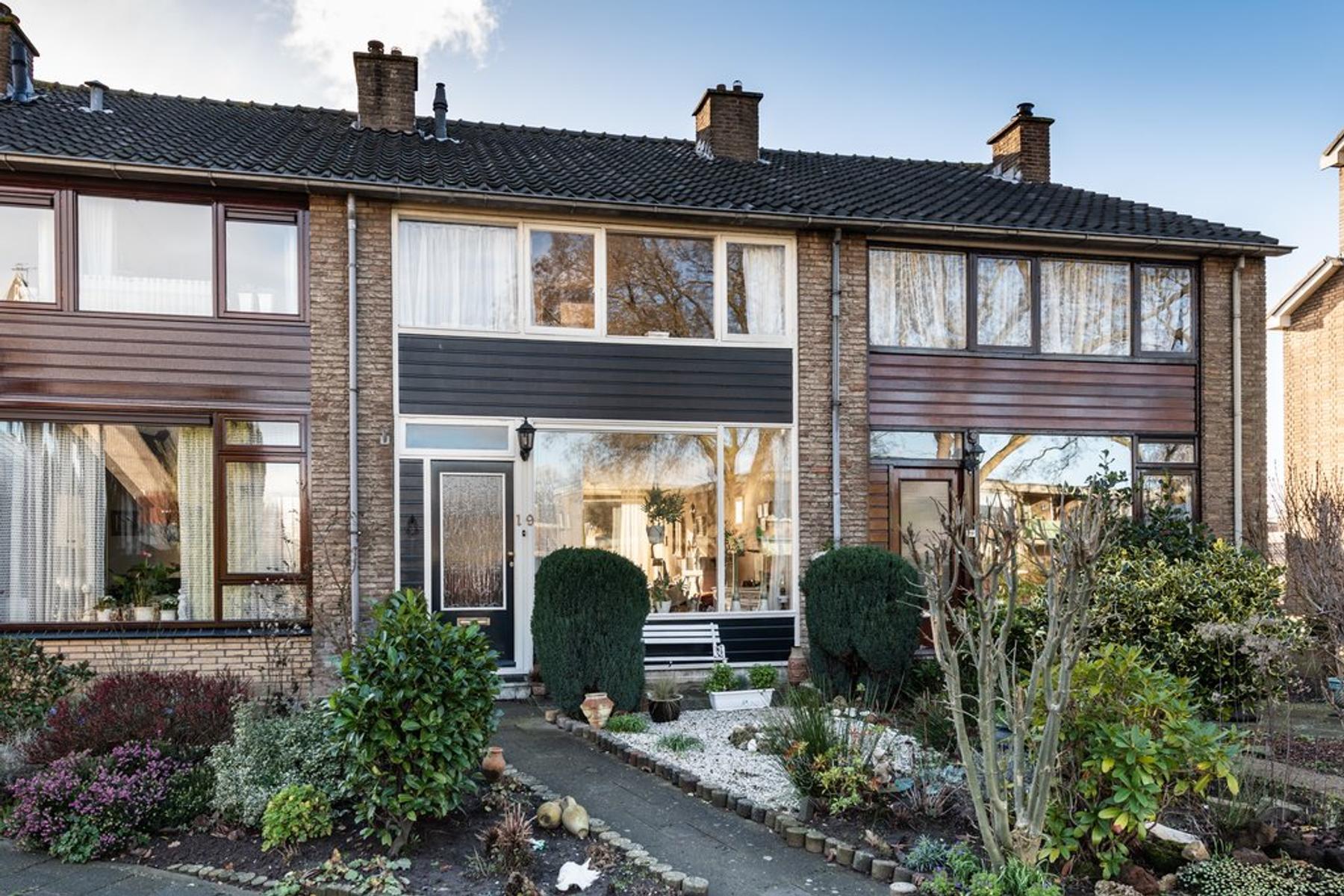 Beiersestraat 19 in Ridderkerk 2983 SB