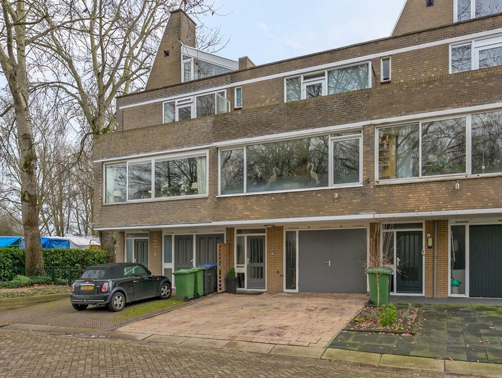 Apollostraat 2 in Hardinxveld-Giessendam 3371 XB