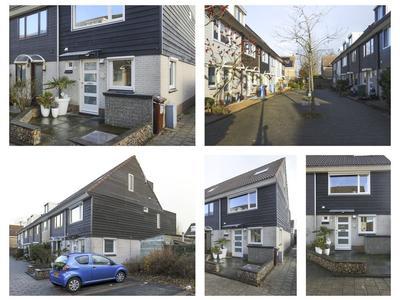 Betsy Perkstraat 16 in Alphen Aan Den Rijn 2401 KP