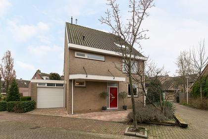 Roestuin 17 in Hendrik-Ido-Ambacht 3343 CT
