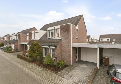 Eemstraat 40 in Helmond 5704 MR