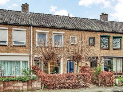 Jelis Van Riemsdijklaan 33 in Tiel 4001 KS