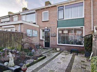 Nassaustraat 6 in Arkel 4241 AK