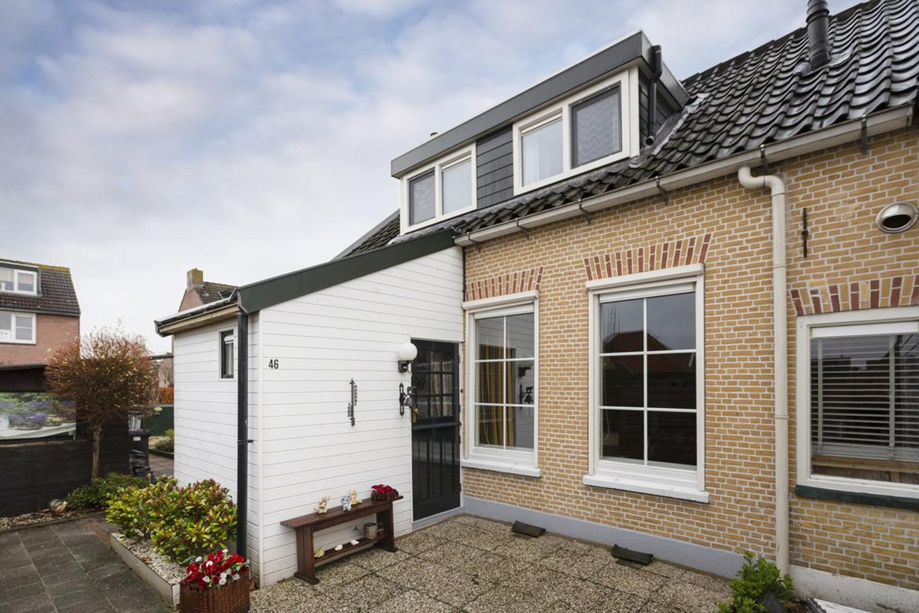 Kerkweg 46 in Ouderkerk Aan Den IJssel 2935 AJ