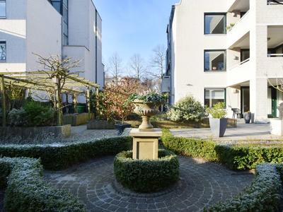 Van Stolkweg 19 in 'S-Gravenhage 2585 JM