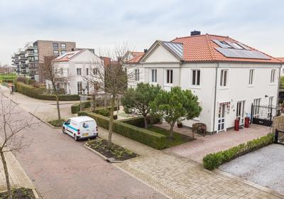 Renaissancelaan 3 in Alphen Aan Den Rijn 2408 DM