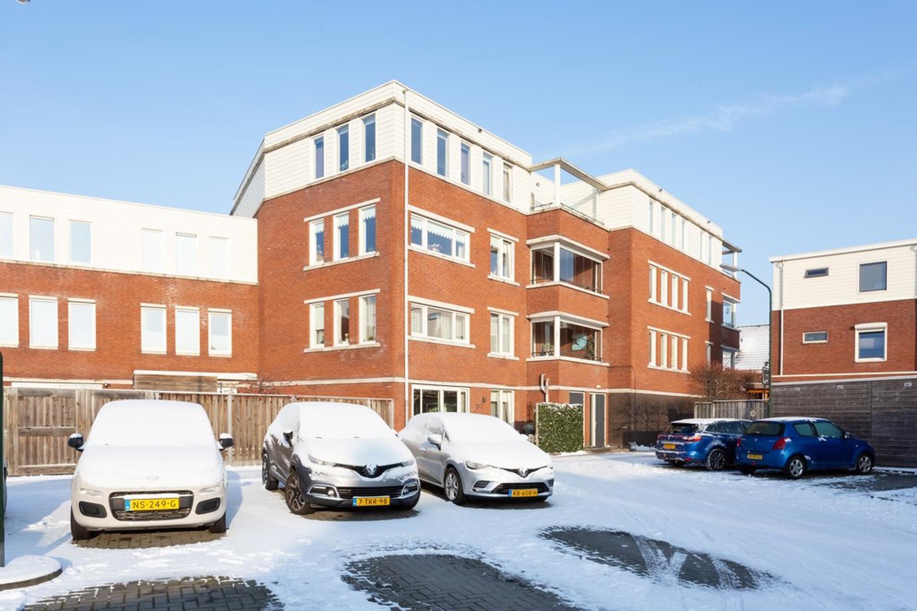 Jan Van Beekhof 40 in Raamsdonksveer 4941 MA