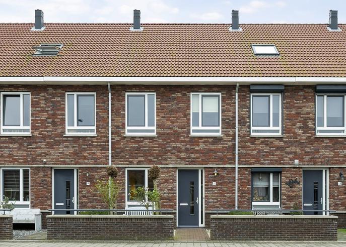 Maximastraat 11 in Nieuw-Beijerland 3264 WB